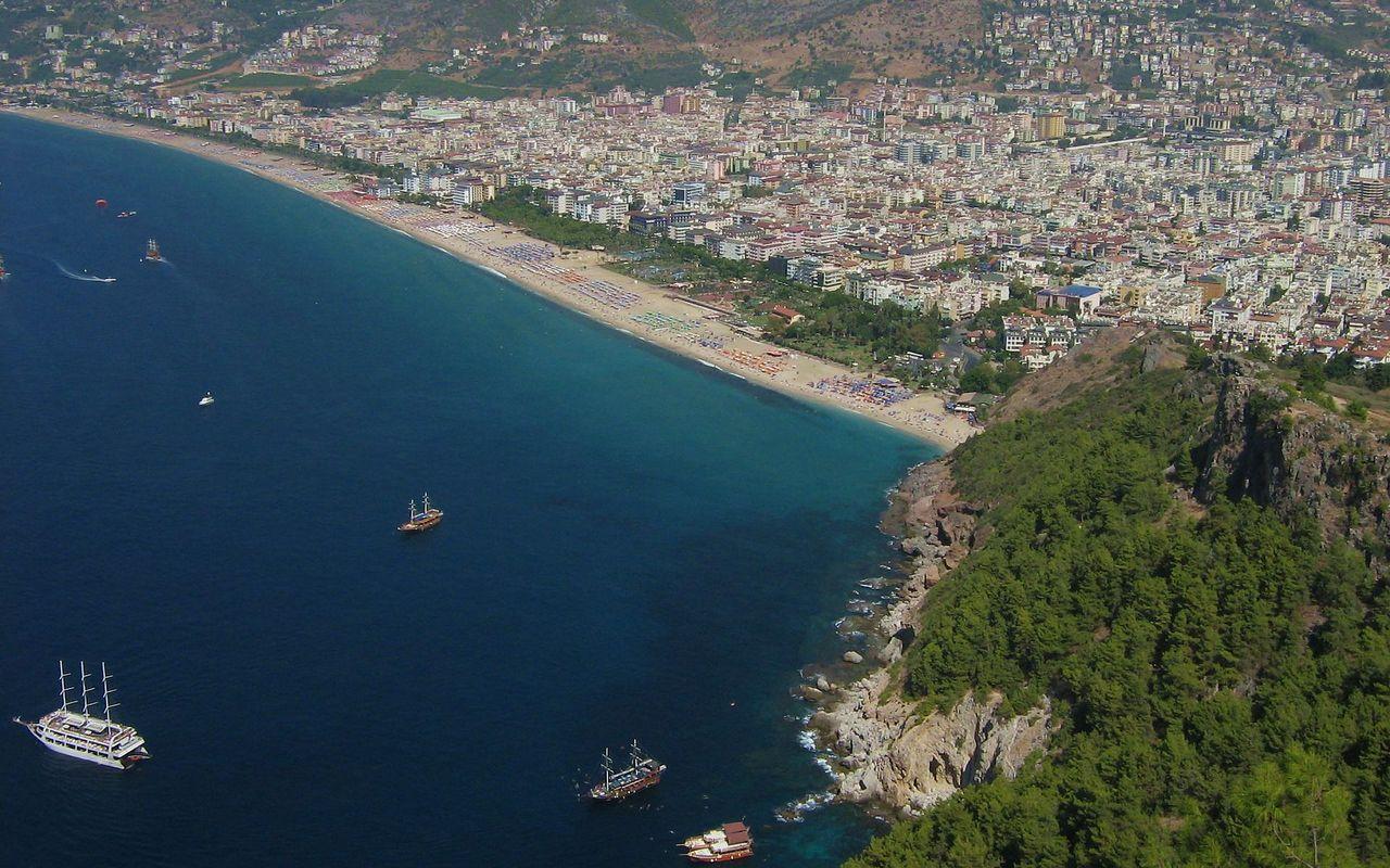 Пляж Клеопа��� в Алании �о�о видео