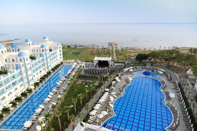 Отель Rubi Platinum Spa Resort & Suites