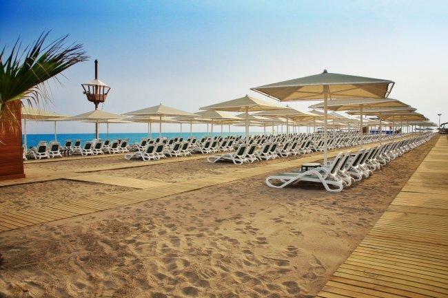 Пляж рядом с Gloria Golf Resort