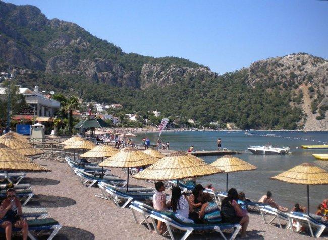 Пляж в поселке Турунч