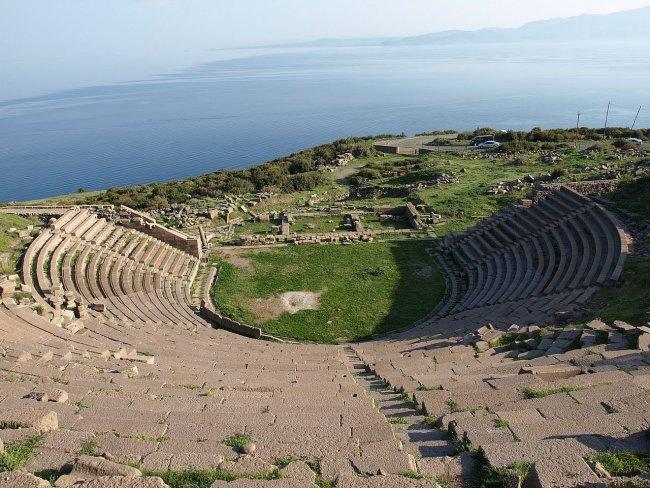 Амфитеатр в городе Ассос