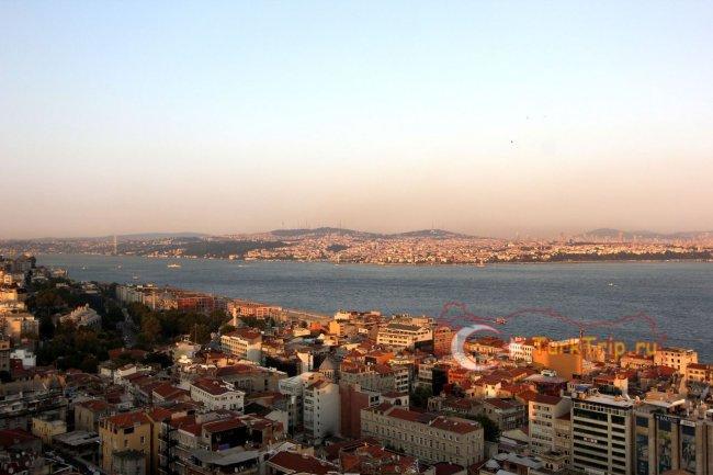 Вид с Галатской Башни на Босфор