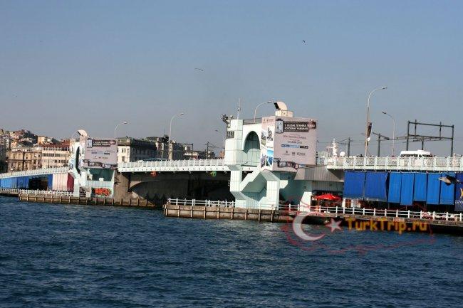 Мост Галата в Стамбуле фото