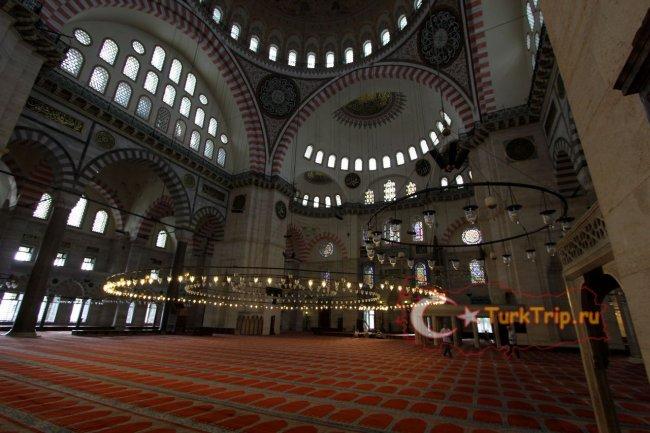 Мечеть Сулеймание фото места для молитвы