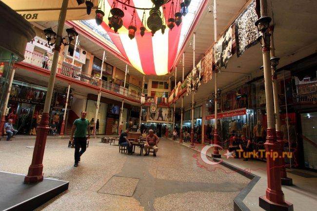 Кожаные магазины на Гранд Базаре