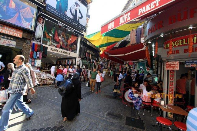 Торговые улочки рядом с Гранд Базаром