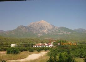 Текирова. Вид на гору Тахталы
