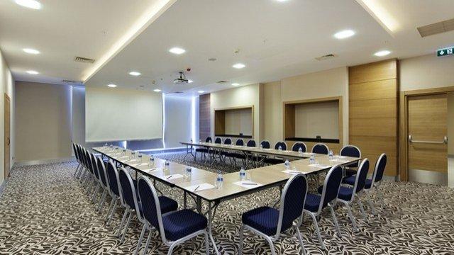 Комната для проведения бизнес-встреч