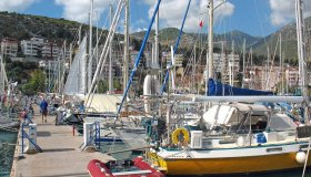 Порт в Финике